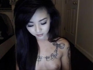 omgcambabes.win Pretty Tattoo asian wants your attention!