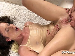 Blowjob and Piss Shower