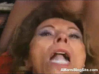 Cum Hungry Mom