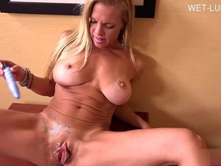 College girl awesome cumshot